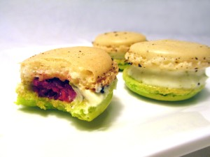 Lime_and_espelette_chili_pepper_macarons